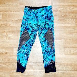 VOGO Athletica   Blue Green Leaf Capri Legging S